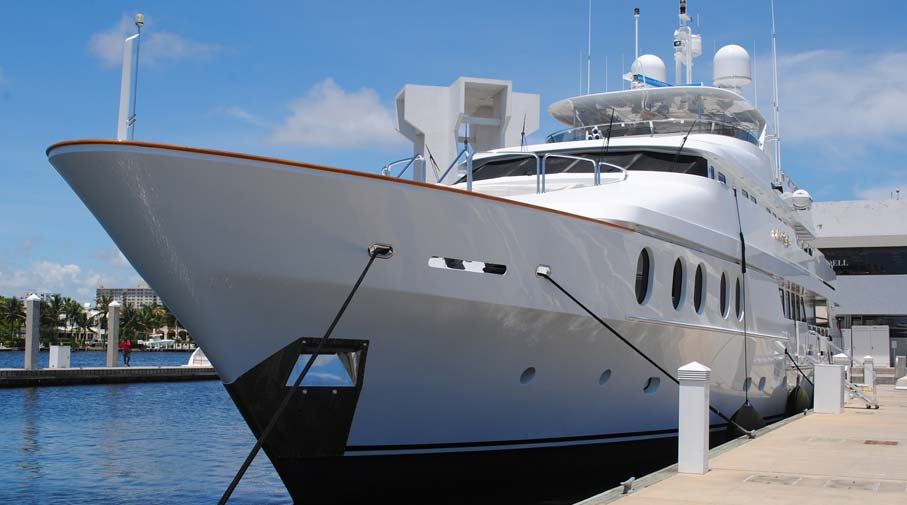 6 Types of Yachts Commonly Used Today