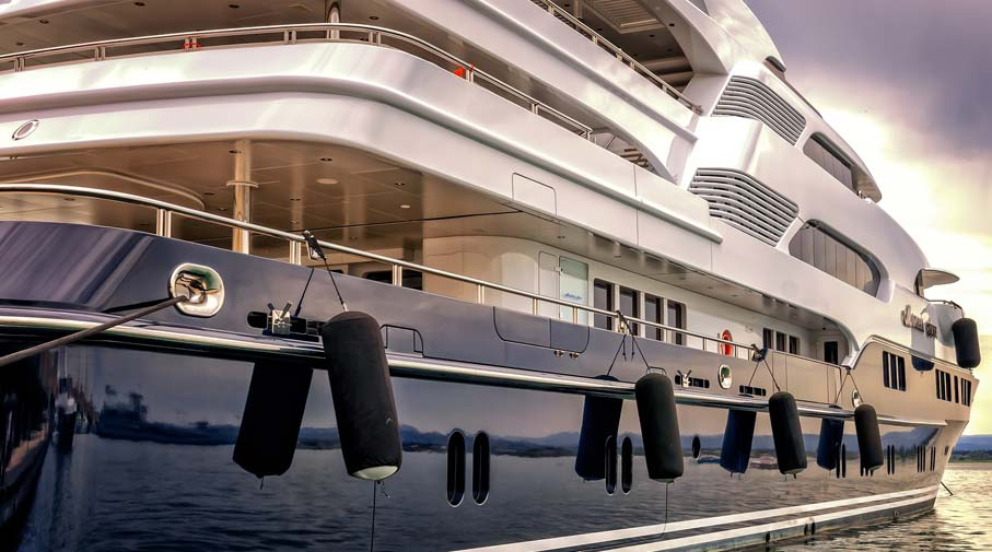 5 Amazing Features That Make Luxury Yachts Desirable